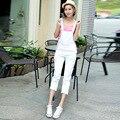 A nova primavera e verão 2016 tamanho grande branco fino feminino Coreano nove pés de cintura alta Jeans Jardineiras