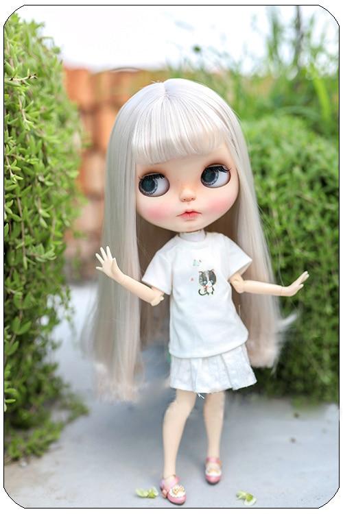 все цены на Blyth doll wigs high temperature fiber Air bangs long curly hair suitable for Blyth doll accessories doll wigs 9-10 inch онлайн