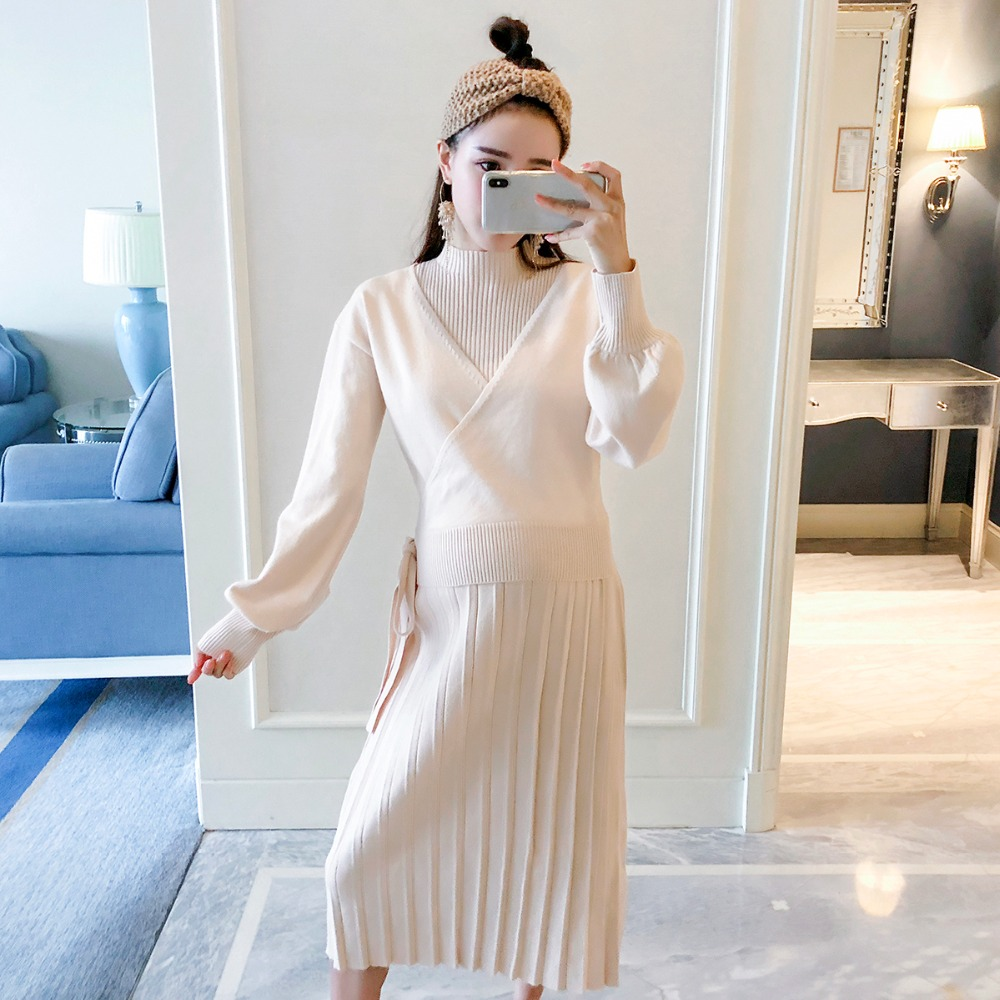 купить Maternity wear 2018 new solid color temperament loose knit suit Korean casual vest skirt long sleeve two-piece по цене 4288.6 рублей