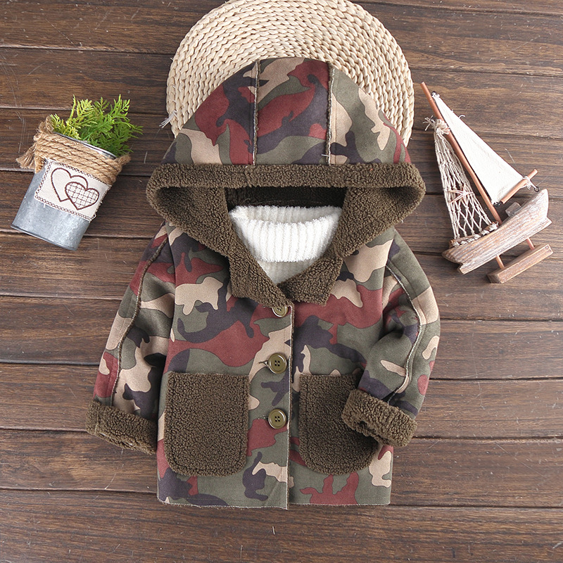 2017 new casual children's jacket Boy autumn and winter camouflage jacket Boy with hood coat Boy plus velvet thick warm jacket