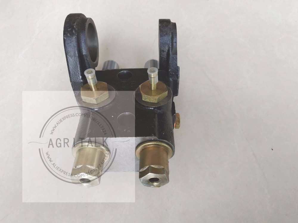 China Yituo YTO tractor X904 tractor parts, the brake pump for old design, part number: 1.68.102 8A4998964 yto x904 tractor parts the auxiliary cylinder part number sz804 55 081