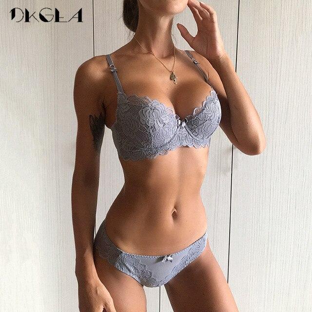 Thoải mái Cotton Mỏng Đồ Lót Nữ Gợi Cảm Bộ Áo Ngực Plus Kích Thước C D Cốc Thêu Áo Đẩy Lên Áo Lót Ren Quần Lót bộ Màu Đen