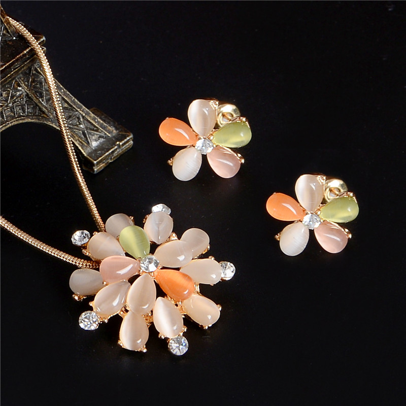 Hot Sale Wedding Jewelry Sets Gold-color Stud Earrings For Women Cat's Eye Stones Design Flower Pendant Necklace Set Wholesale