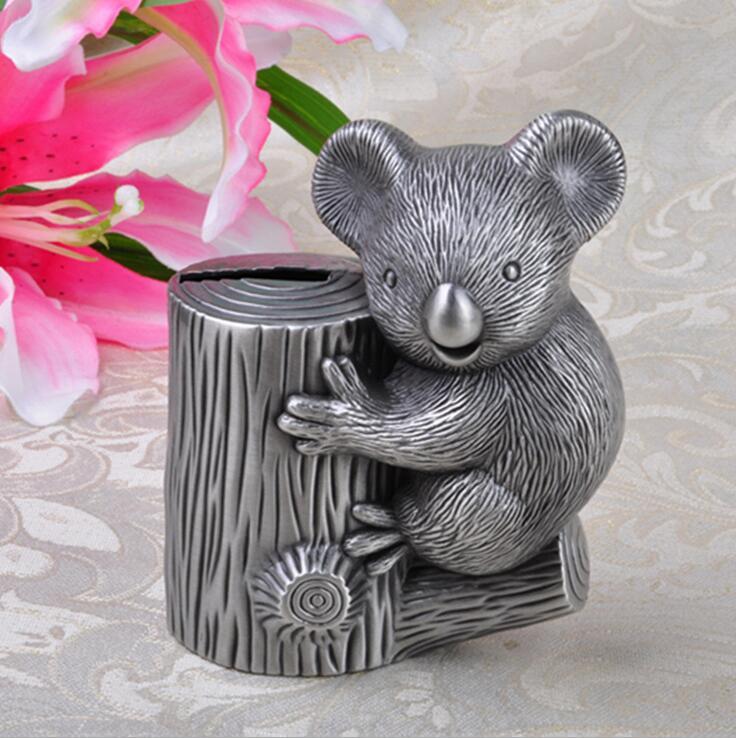 цена Koala Bear Tin Alloy Coin Monkey Penny Cents Piggy Bank Saving Box Kids Present Gift онлайн в 2017 году