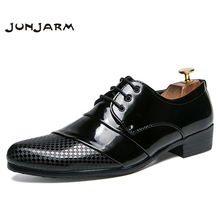 JUNJARM New 2018 Business Dress Men Formal Shoes Wedding Pointed Toe Men Oxford Shoes Fashion Men Flats Luxury Groom Party Shoes