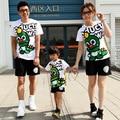 2016 семьи соответствующие одежды лето семья одежды матери отец дочь динозавров футболку + шорты 2 шт. установленные одежды