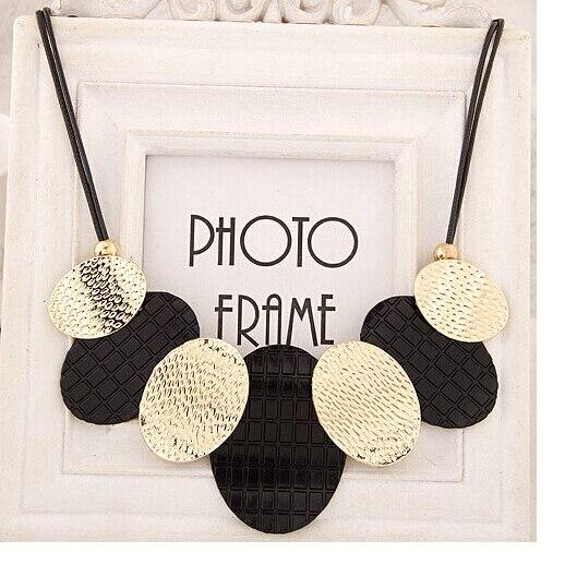 2016 Collier ras du cou en gros avec des feuilles de métal ovales pendentif Collier Femme Bijoux femmes déclaration en cuir colliers et pendentifs