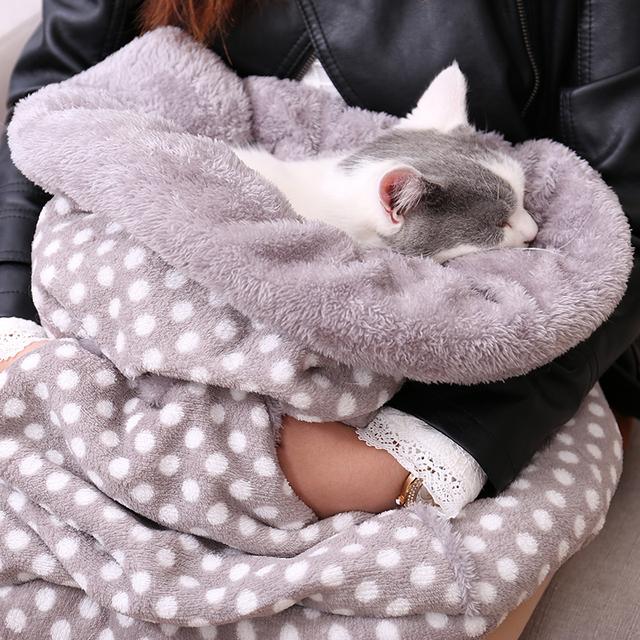 Pet Kangaroo Style Warm Bed