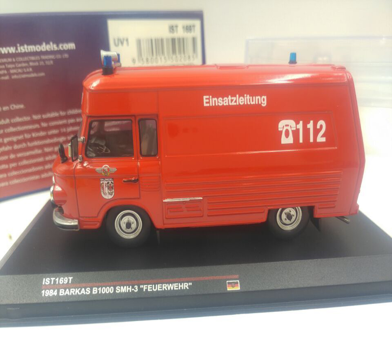 Modellauto// Krankenwagen UDSSR GAZ 32214//  De Agostini //OVP