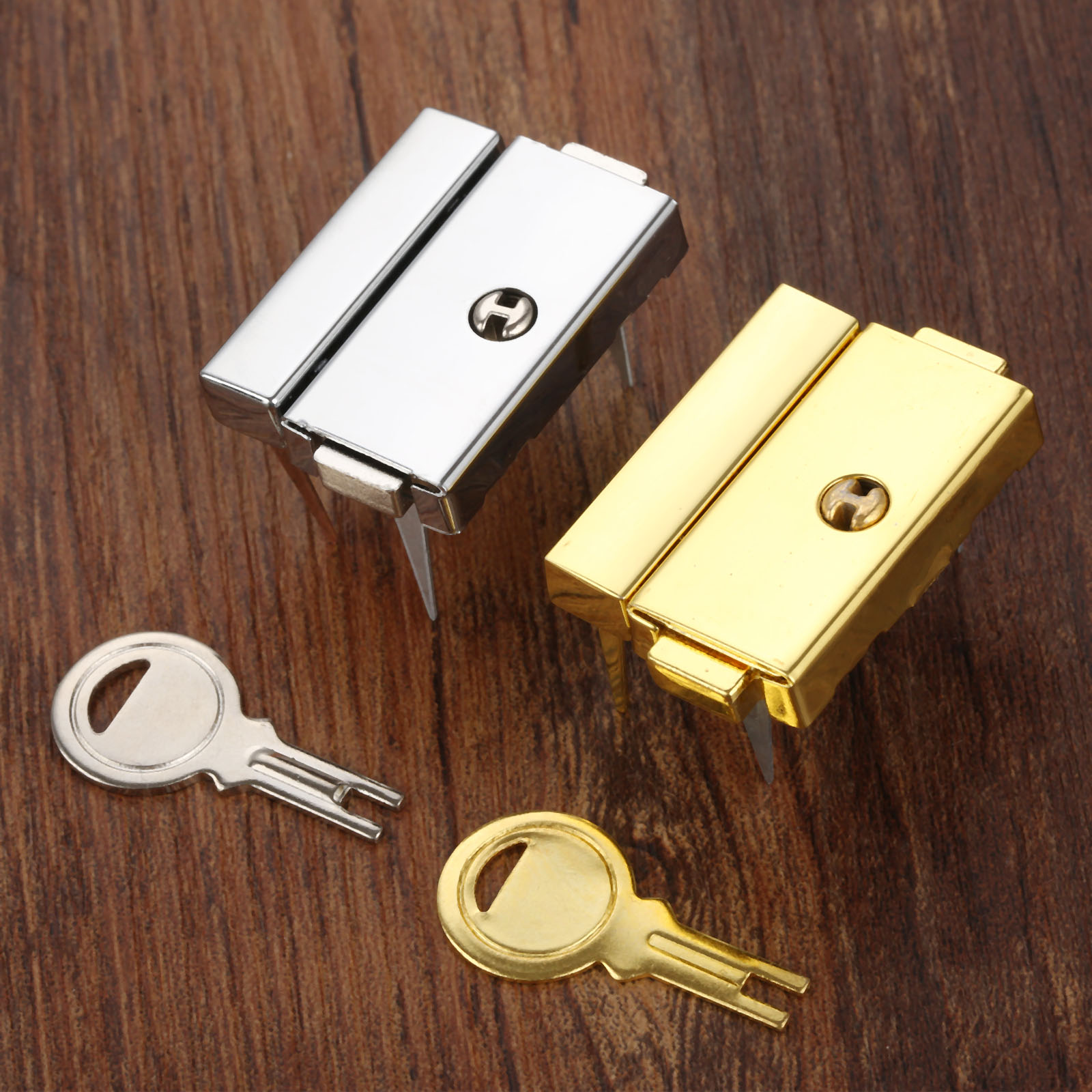 1PC 33*25mm Box Hasps Zinc Alloy Lock Toggle Catch Latches For Jewelry Suitcase Buckle Clip Clasp Vintage Hardware Silver