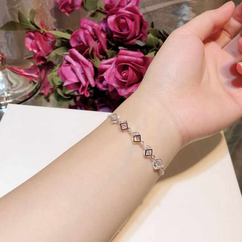 Vintage Square CZ Zircon Bracelet Ladies White Gold 925 Silver Bracelets for Girls Wedding Bracelet CN36Vintage Square CZ Zircon Bracelet Ladies White Gold 925 Silver Bracelets for Girls Wedding Bracelet CN36