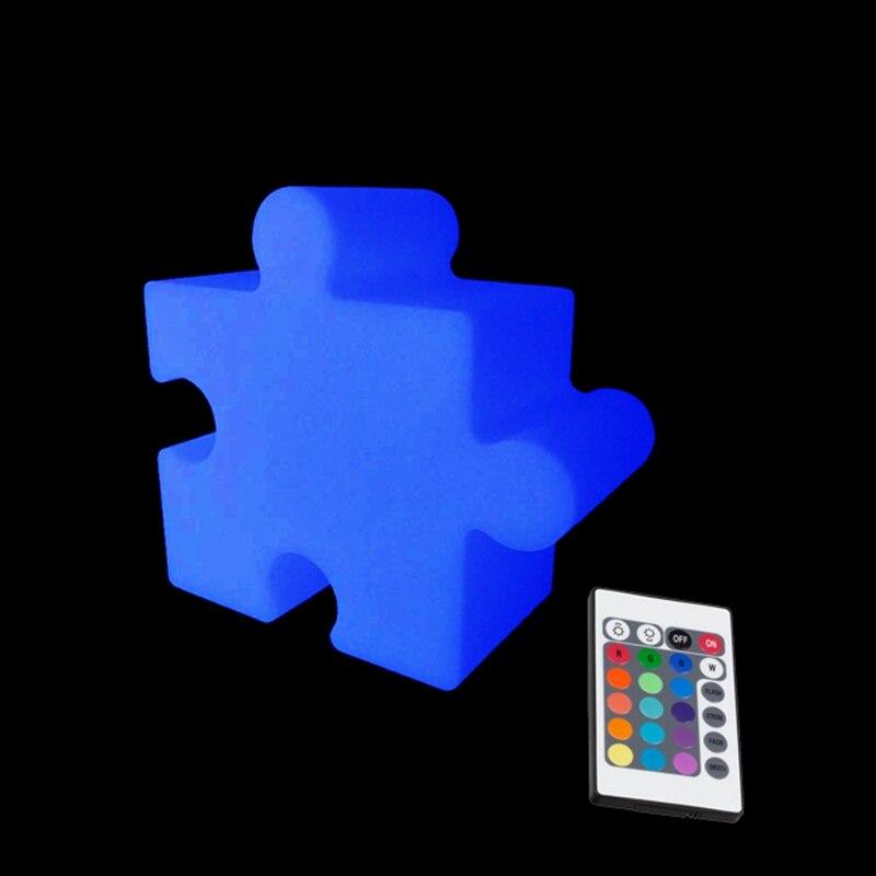 L22.2 * W10.6 * H20.6cm 16 couleur Chaning RGBW perplexe décoration de la maison veilleuses avec 24 touches télécommande livraison gratuite 1pc