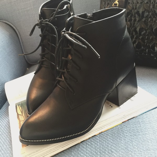 ORATEE 2017 spring and autumn new retro wild pointed thick with high-heeled Martin boots a single boots bare boots tide