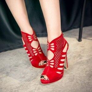 Image 3 - Vendita Plus. Big Size 34 52 scarpe da donna sandali Moda Sexy sandali degli alti talloni sapato feminino estate scarpe stile 588