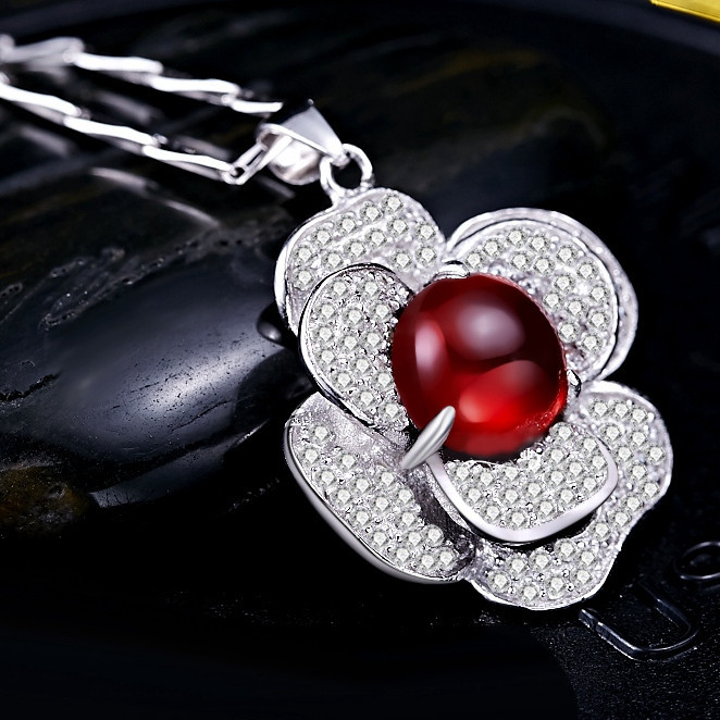 Natural Garnet Pendant Necklace 925 Sterling Silver Camellia Rose Lady Woman Fine Elegant jewelry Love Birthstone Valentine GiftNatural Garnet Pendant Necklace 925 Sterling Silver Camellia Rose Lady Woman Fine Elegant jewelry Love Birthstone Valentine Gift
