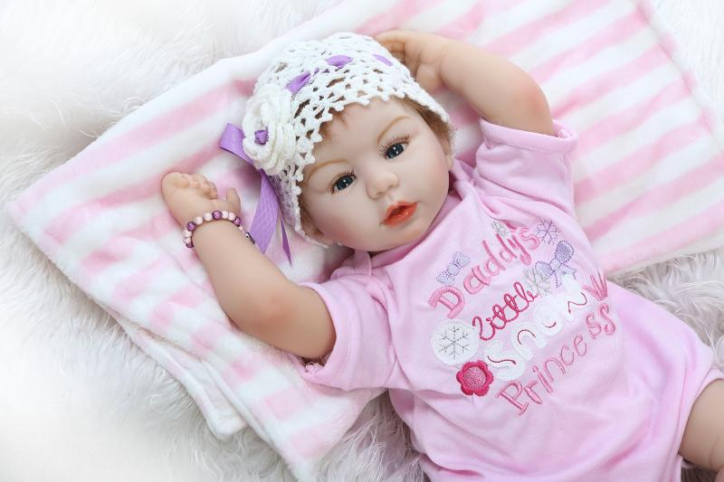 55cm Real girl doll reborn Soft Body Silicone Reborn babies doll Toy creative child lover gift boneca reborn brinquedo menina55cm Real girl doll reborn Soft Body Silicone Reborn babies doll Toy creative child lover gift boneca reborn brinquedo menina