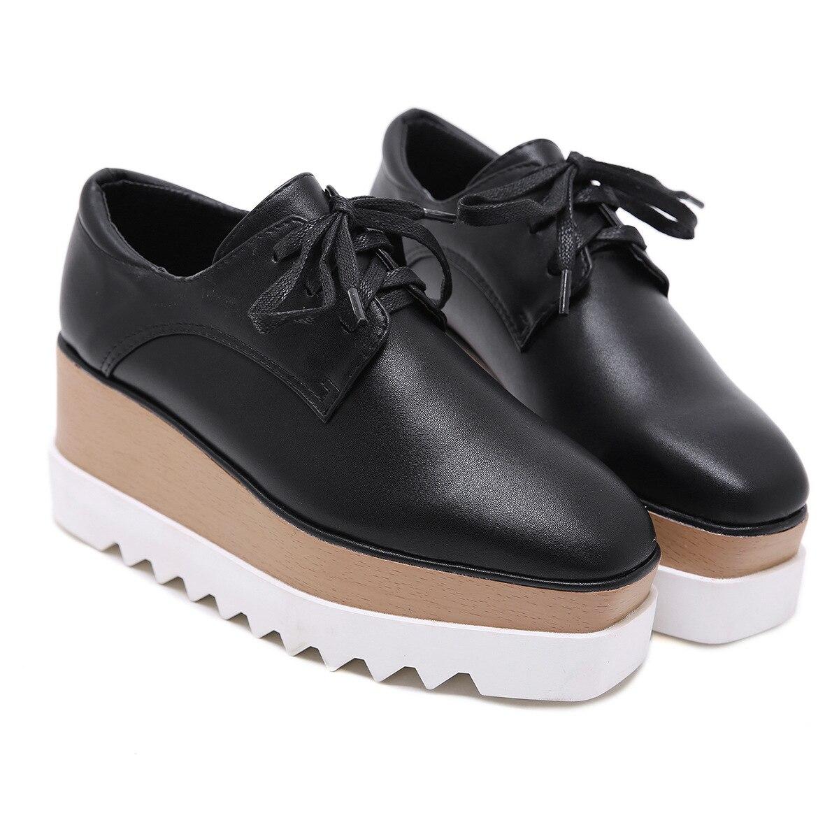 Semelle épaisse en cuir au printemps été automne hiver est plus mince plus grand Muffin chaussures tête décontracté chaussures pour femmes 35-39