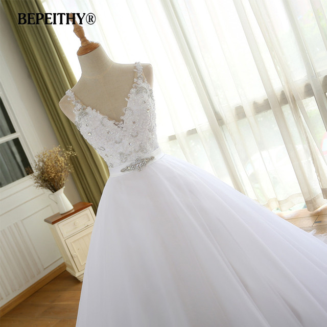 BEPEITHY V Neck Vintage Wedding Dress With Belt Vestido De Novia Casamento Beadings Bridal Gowns 2017 Ball Gown