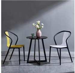 Черный стул Жук современный простой задний обеденный стул домашний Креативный дизайн Повседневный модный пластиковый стул