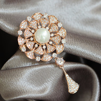 New Bridal Jewelry Copper Flower Pearl Exquisite Design Micro Cubic Zircon CZ Brooch High Quality Accessories