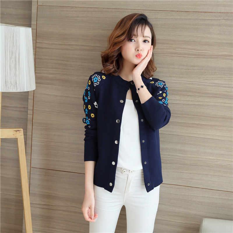 4395 -2019 women's new embroidered thick cardigan 43