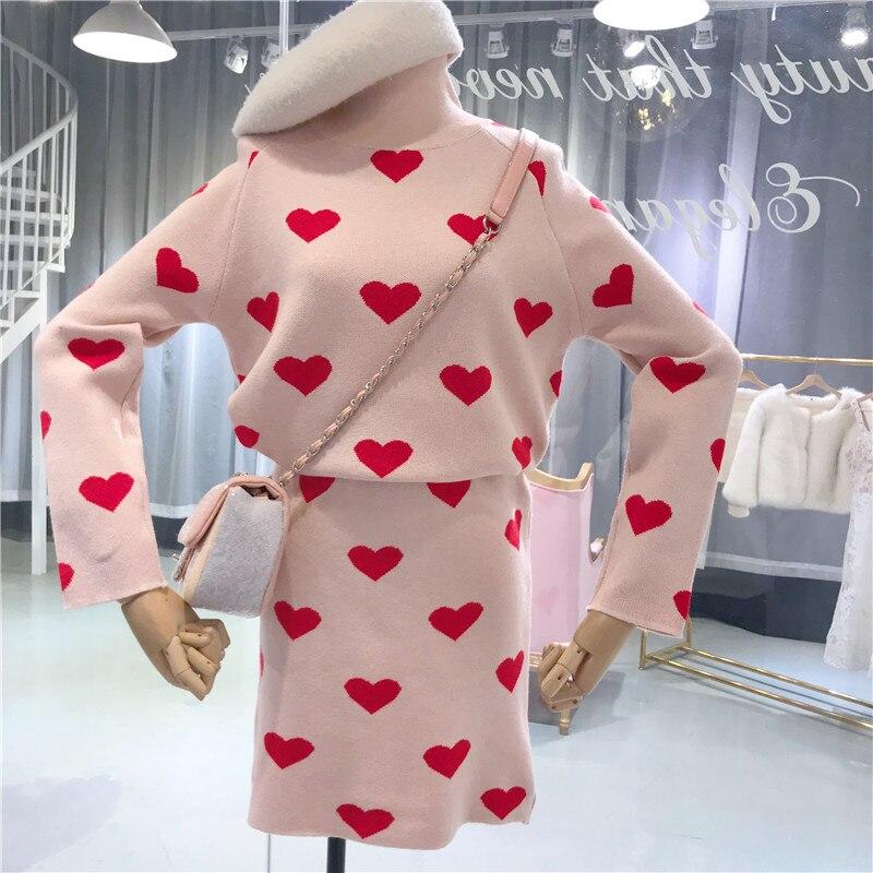 ALPHALMODA Automne Hiver Femmes Vêtements À Manches Longues Col Roulé de Coeur Affiches Tricoté Chandail + Jupe 2 pièces Femmes Ensemble