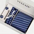 Мужчины 2016 галстуки и платок + запонки и зажим для галстука с подарочной коробке 5 Частей комплекта черный синий Полосатый gravata господа