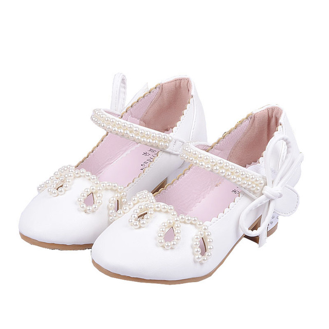 85a8f9b39542 New 2018 Kids Flower Little Girls High Heels Pearl Princess Dress Shoes For  Girls White Sandals Beading Party Wedding Shoes 57