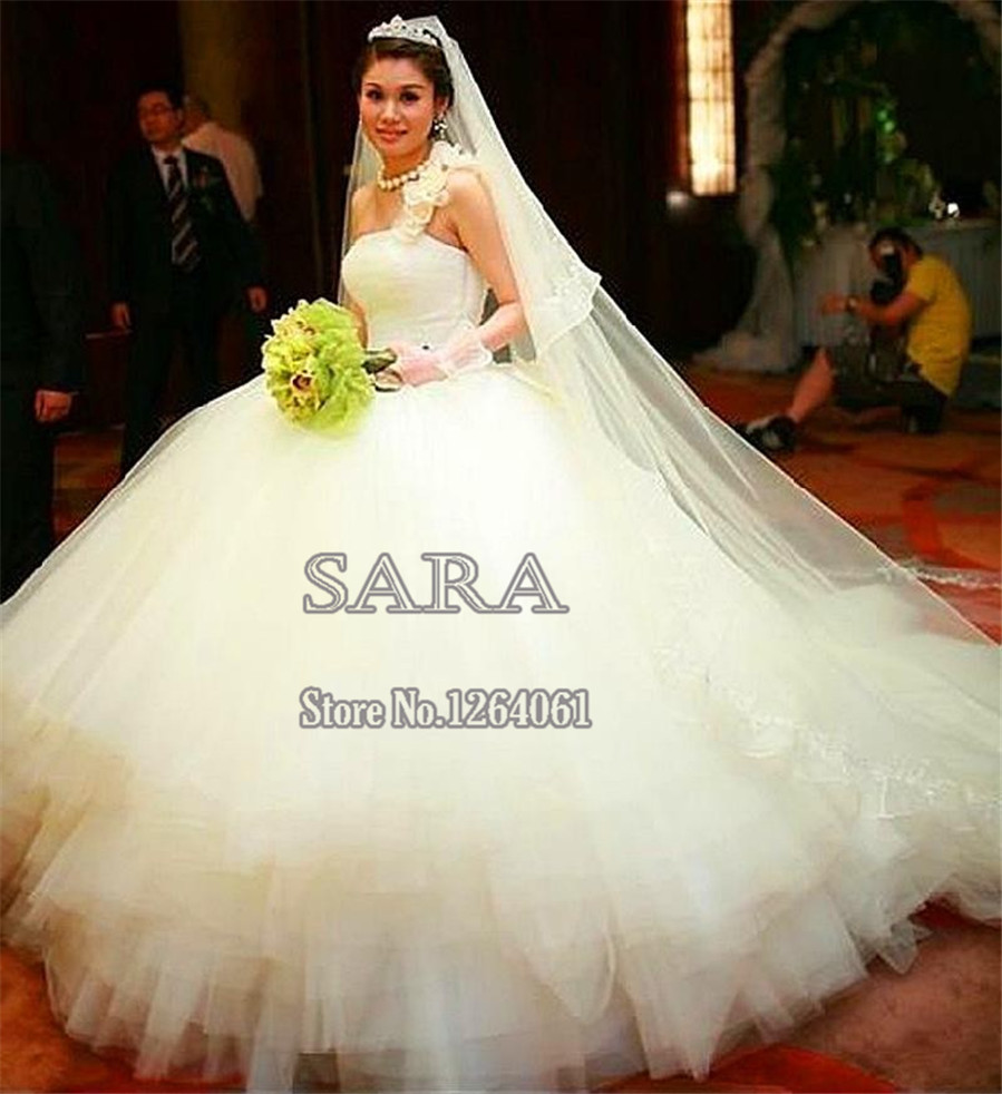 ball gown wedding dress with chapel train heart shaped wedding dress African Sweetheart White Wedding Bridal Dresses Trends