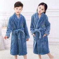 Модные фланелевые халаты для детей; мягкая одежда для сна для мальчиков-подростков; принт мультяшного медведя; пижамы; коралловый бархат