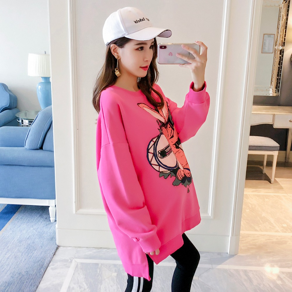 купить Pregnant women wear sweaters new fashion maternity dress long-sleeved pullover cartoon loose large size shirt по цене 2342.51 рублей