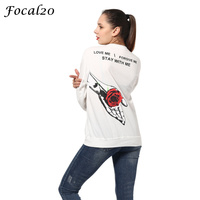 Focal20 Harajuku Autumn Women Letter Rose Print Oversize T Shirt Long Sleeve Back Rose In Hand