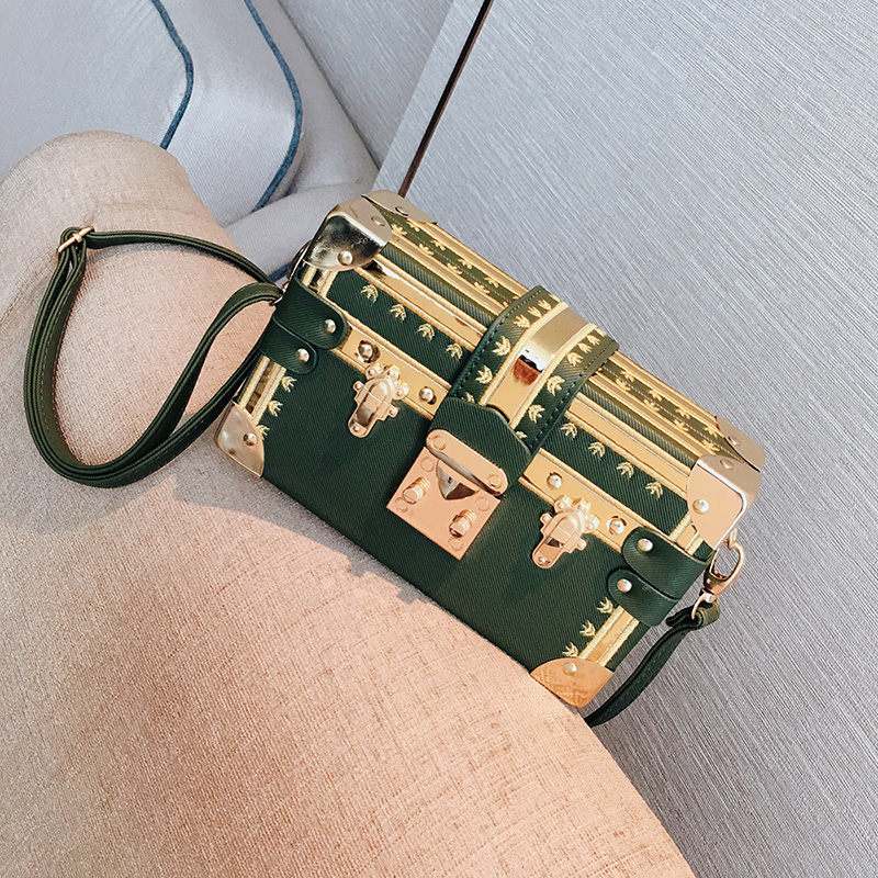 3 Color Super Luxury Brand Clutches Women Handbag Crossbody Bags Metal Rivet Famous Design Box Bag Purse Women Shoulder Bags Sac3 Color Super Luxury Brand Clutches Women Handbag Crossbody Bags Metal Rivet Famous Design Box Bag Purse Women Shoulder Bags Sac