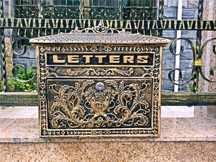 Vintage Bronze Look Cast Aluminum Mailbox Postbox Mail Box Flower Wall Mounted Letters Box Metal Garden Supplies Free Shipping
