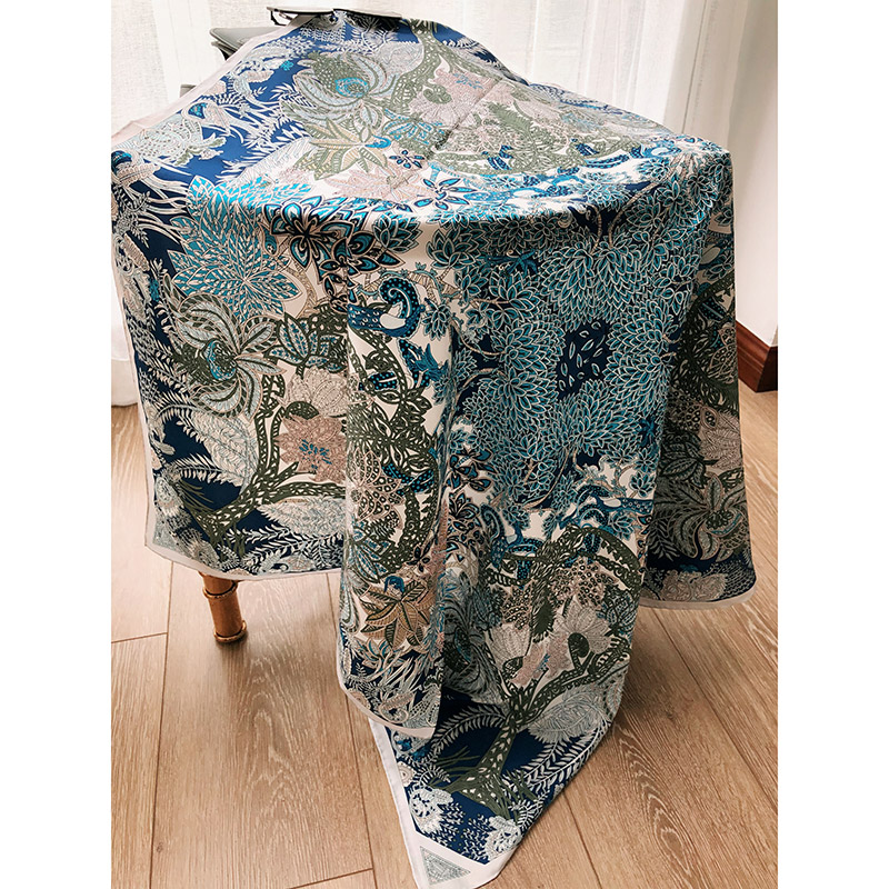 Stunning Blue Prints 100% Silk Scarf Hijab Head Scarves for Women Fashion Scarves Shawl Foulard 35