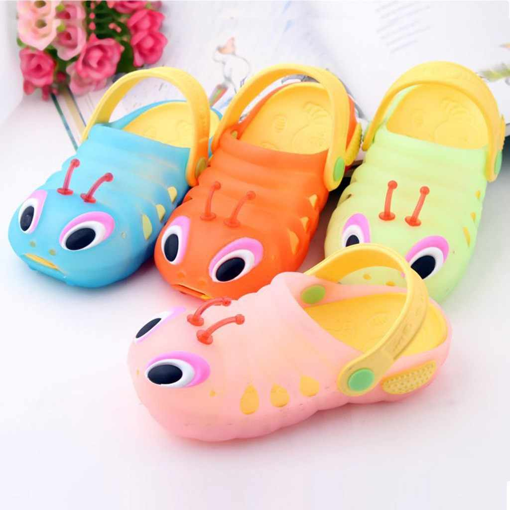Children caterpillar sandals and slippers hole shoes beach shoes summer boy girl cute cartoon beach slippers flip shoes 2019 new