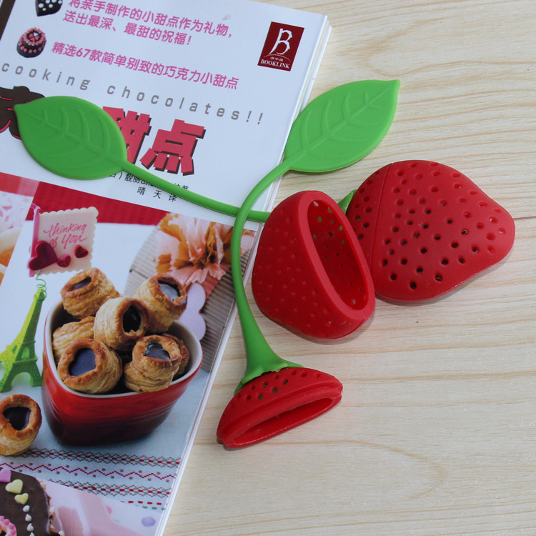 Tea Leaf Strainer Reuseable Red Lovely Silicone Strawberry Tea Bag Ball Stick Loose Herbal Spice Infuser Filter Tea Tool Novelty