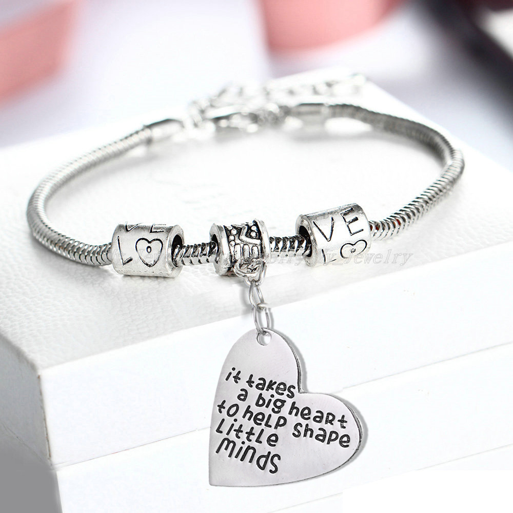 Teachers Gifts Love Beads Bracelets Bangle It Takes A Big Heart To Help Shape Keychains Keyrings School Teacherss Day Jewelry
