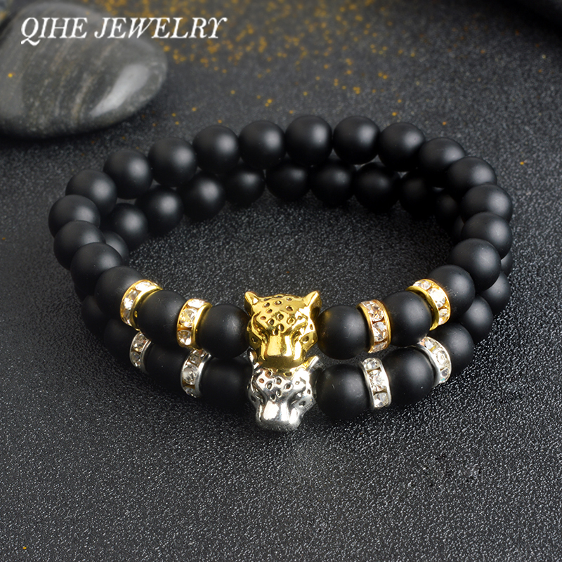 QIHE ékszerek Kiváló minőségű arany / ezüst színű leopárd fej fekete matt láva kő buddha természetes kő gyöngyös karkötők férfi unisex