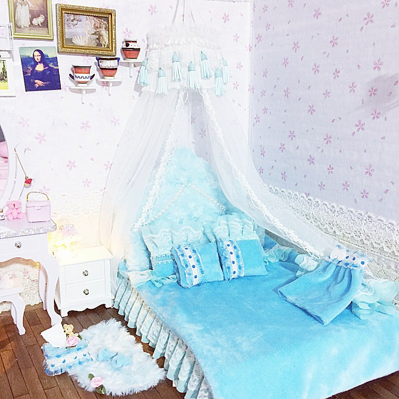 1:6 Furniture for dolls Dollhouse Miniature doll bed kawaii simulation soft gorgeous blue bed pretend play toys for girls gifts горенштейн фридрих улица красных зорь сборник