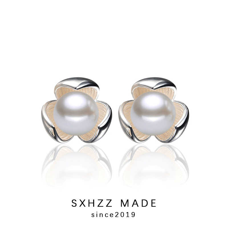 SXHZZ New Design Clover Stud Earrings Korean Style Natural Freshwater Cute Pearl Earrings Fashion Jewelry for Girls Women Female