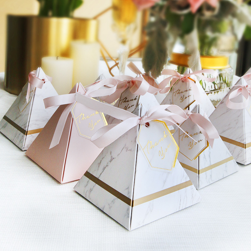 New Triangular Pyramid Style Candy Box Chocolate Box Wedding Favors Gift Boxes With THANKS Card & Ribbon Party Supplies