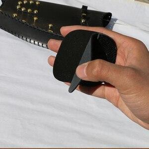 Image 5 - Outdoor Boogschieten Vinger Tabs 3 Onder Tab Vinger Saver Bescherm Guard Boogschieten Vinger Tab Koeienhuid Verstelbare Elastische Band