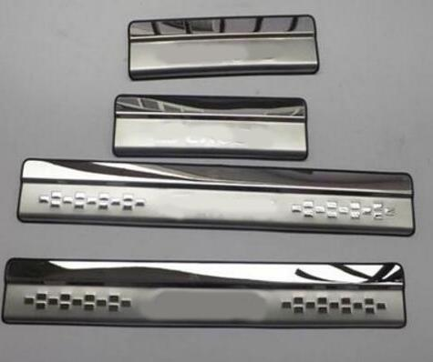New Style ! Stainless Steel Inner Car Door Sill Scuff Plate Cover Trim 4 Pcs / Set For Suzuki SX4 s-cross 2017 2018