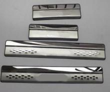 цена на New Style ! Stainless Steel Inner Car Door Sill Scuff Plate Cover Trim 4 Pcs / Set For Suzuki SX4 s-cross 2017 2018