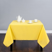 HK DHL 70 In./180cm Square Polyester Tablecloth Gold For Wedding Event  Banquet Party 20/Pack