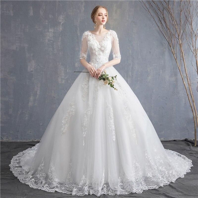 2019 Bride White Lace Flower Wedding Dresses Elegent V-neck Half-sleeve Tulle Long Wedding Dress Luxury Vintage Wedding Dress