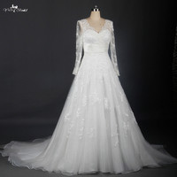 Ivory Vintage Lace Elegant Long Sleeve Wedding Gowns V Neckline A Line Wedding Dress RSW709