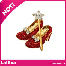 Brooch Queen Wedding Day Gold-tone Red Crystal Heel Shoes and Star Wand and Bow Dorothy Wizard of Oz Style Shoes Costume Jewelry(China)