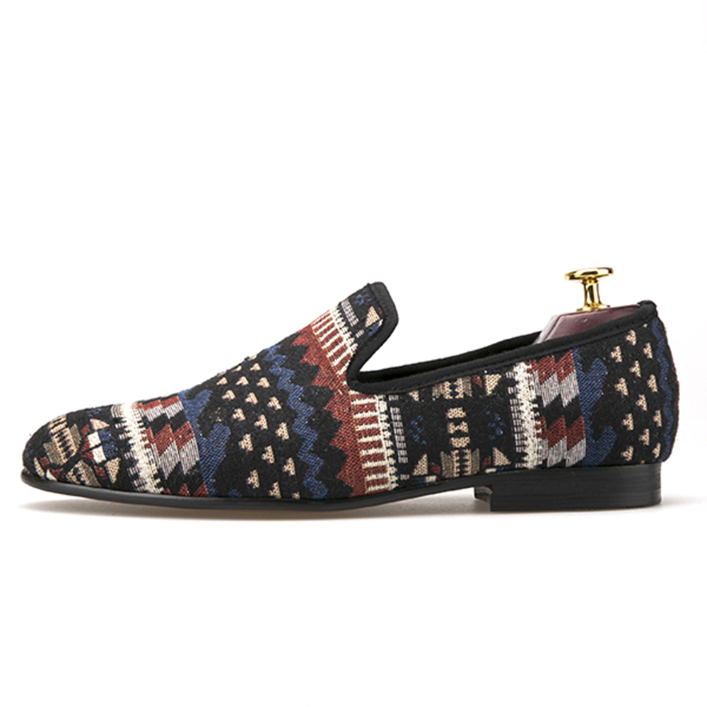 handcrafted using Korea cotton in a traditional print men loafers fashion men mixed colors Knitted shoes men's flats men mixed print tee